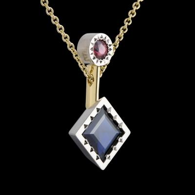 sapphire bespoke pendant gold platinum