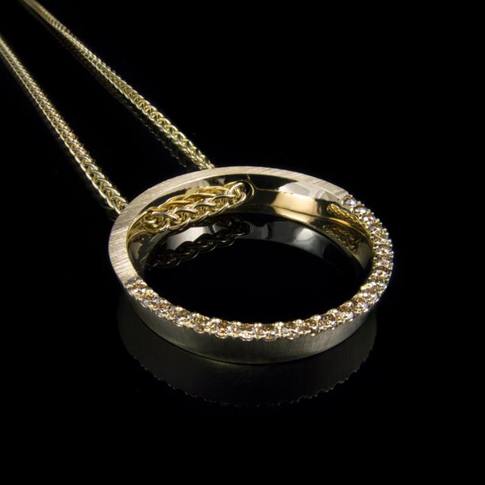 diamonds gold pendant